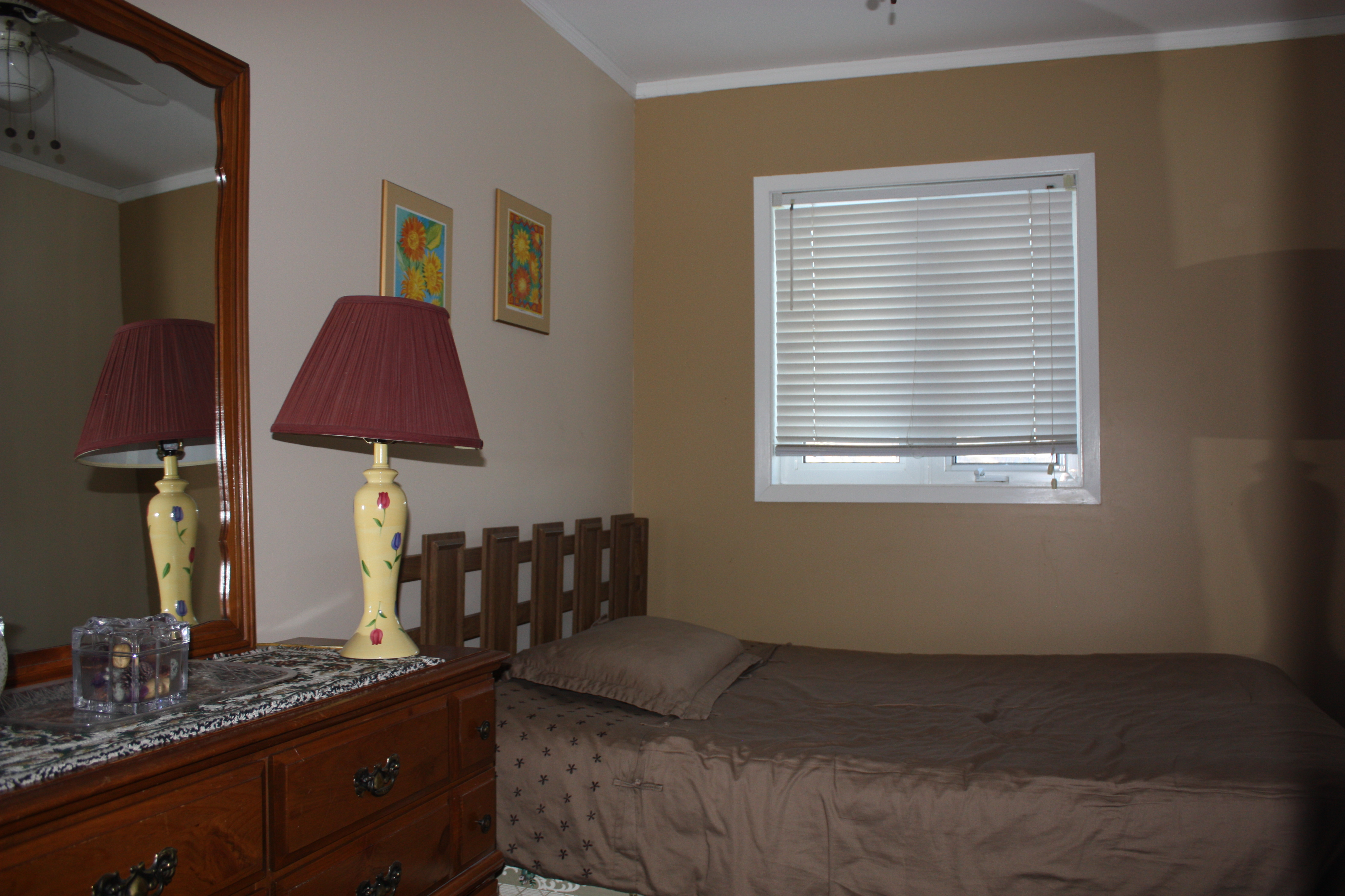 Photo of the Executive Suite Second Bedroom